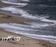 Откриха незаконни обекти на плажа в Иракли