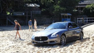 Баровец паркира своето Мазерати на плажа (СНИМКИ)