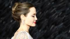 Близките срещи на Анджелина с рака
