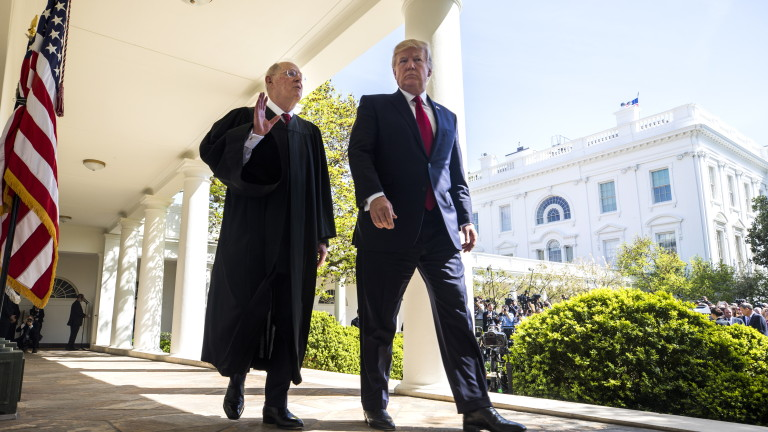 Съдия от Върховния съд на САЩ предизвика политически трус с решение да се пенсионира