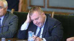 Каракачанов не очаква и не чака консенсус за изтребителя