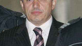 Ал. Петров се захваща с карате и обществени дела