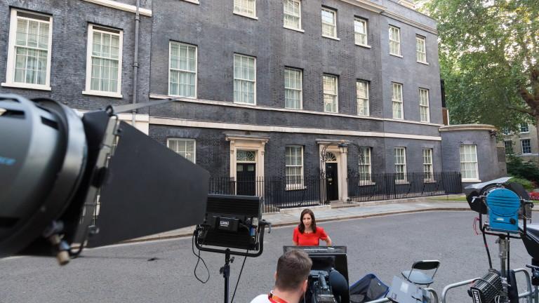 Кой влиза в новия кабинет на Борис Джонсън?
