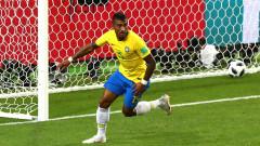 Паулиньо под въпрос за мача с Белгия