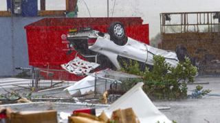 Торнадо издуха новозеландски град
