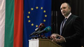 Зелената сделка чертае нови разделителни линии, тревожи се Румен Радев