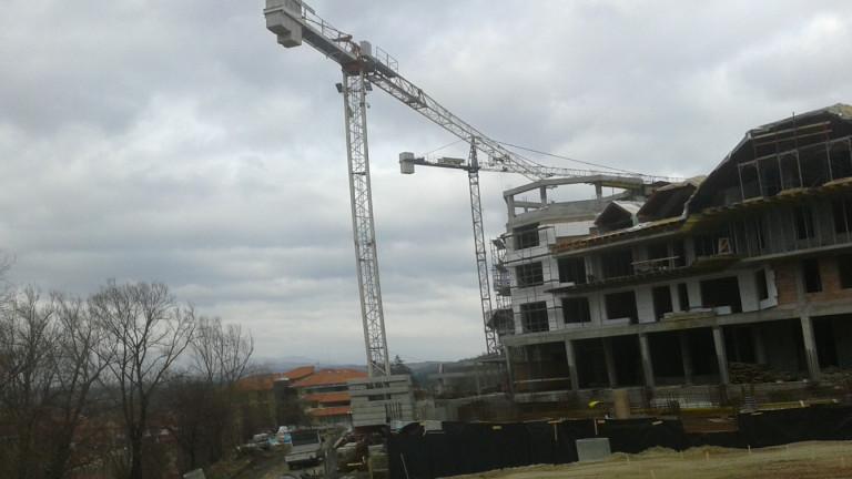 НСИ: Ръст на промишлеността и търговията, спад в строителството