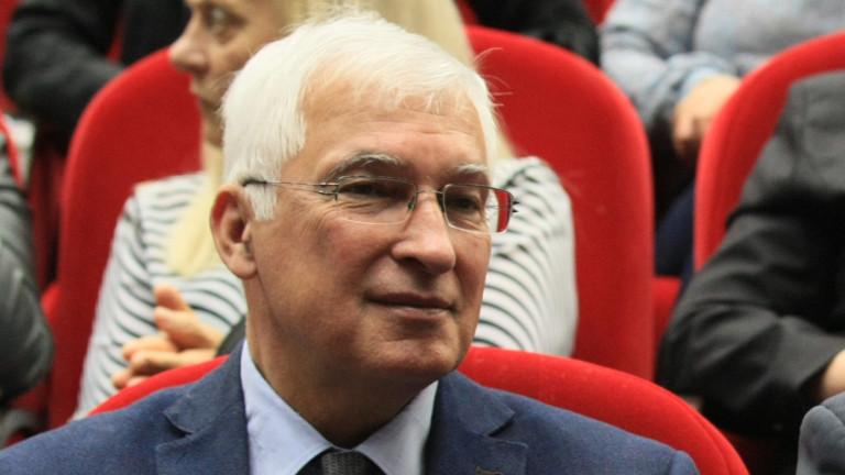 """Проф. Дуранкев: С болничните ставаме """"виновен до доказване на противното"""""""