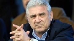 Джовани Бекали: Няма да позволя на играчите на Левски да крадат Васил Божков