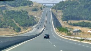 Пътуващите в Гърция плащат тол такси по магистралите след 6 юни