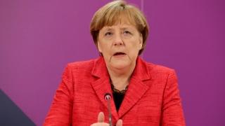 """Меркел нарече """"скандал"""" липсата на резолюция на ООН за химическата атака в Сирия"""