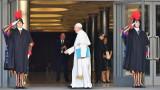 Папа Франциск призова за конкретни действия срещу педофилията в Църквата