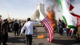 Аллах свали Тръмп от власт, доволен Рохани на годишнината от Ислямската революция