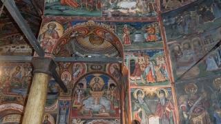 Свещеник изгони от Троянския манастир дете с аутизъм