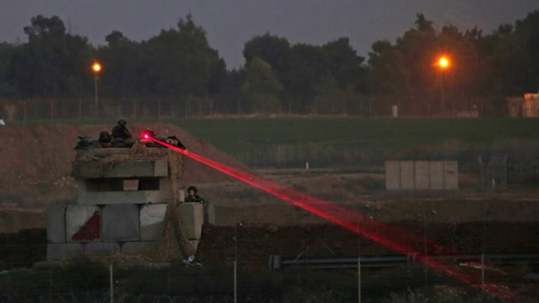 Израел затваря контролни пунктове на Газа след палестински ракетни удари