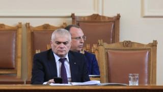 МВР-шефът поиска дисциплина при кризата с чумата