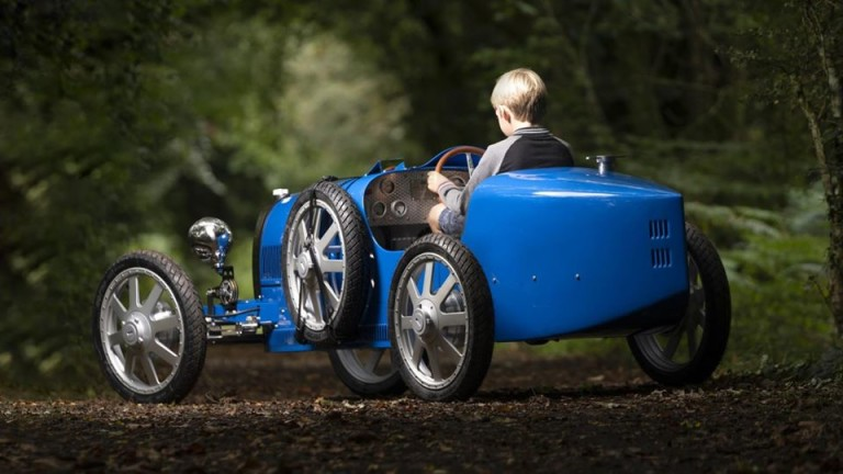Елитната автомобилна марка Bugatti представи детска кола, наречена Baby II.