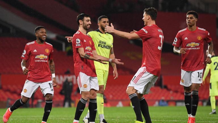 Юнайтед продължава да затъва в дългове