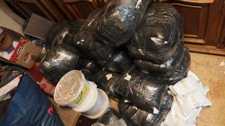 Спряха контрабанда на 233 кг тютюн и маркови стоки