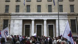 Гръцките банки подготвят допълнителни провизии за €5.5 милиарда
