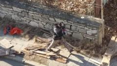 С пълни каруци разграбват сградата на белодробната болница в Сливен