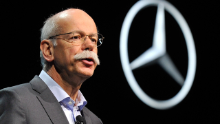 Бившият шеф на Mercedes-Benz започва работа за верига супермаркети