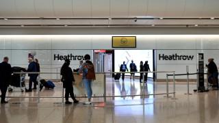 Британия пуска ваксинационни паспорти за пътуващи британци от 17 май