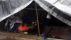 Десетки загинали в наводненията в Индия