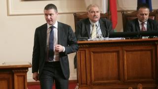 Повече пари за службите не гарантирали по-добра работа, убеден Горанов