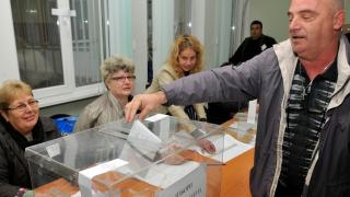 Изборният ден протича нормално, нямало сериозни нарушения, увери ЦИК