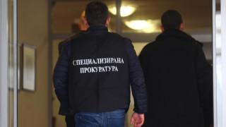 """Обвиняват четирима от арестуваните в кв. """"Хр. Ботев"""" за лихварство и рекет"""