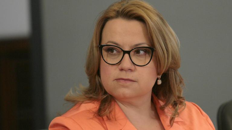 ГЕРБ превърнаха председателството в ПР кампания, тълкува Деница Златева