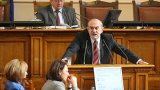 Депутатите помечтаха два часа за рестарт на Кремиковци