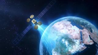 Facebook строи собствен сателит
