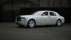 Перлено бял Rolls Royce Phantom