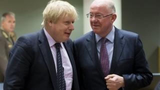 Русия да спре намесата си на Балканите и в Украйна, настоя Великобритания
