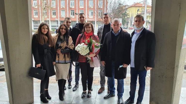 Корнелия Нинова с предложение за кризата с 380 000 безработни в страната
