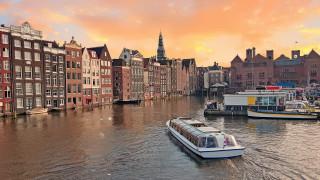 Роботизираните лодки, които ще променят Амстердам