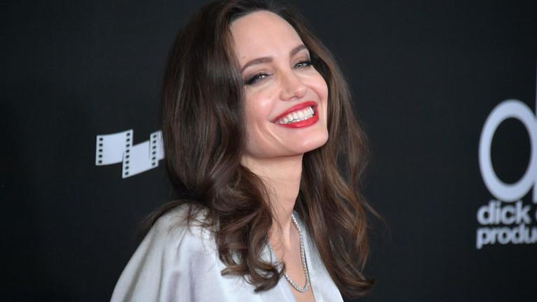 Как се е променила Анджелина Джоли