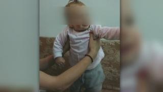 Майката на 11-месечната Владислава преди време изоставила и батко й