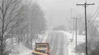 Снегът затрудни движението в Бургаско
