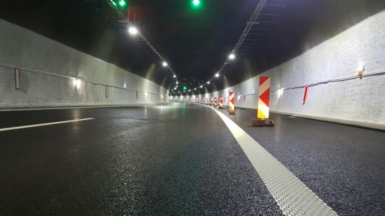 """Движението в тунел """"Правешки ханове"""" на АМ """"Хемус"""" е в една лента"""