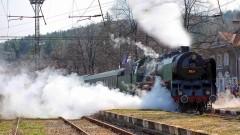 """Баба Меца тегли """"Влакът на буквите"""", """"Тракийски романс"""" до Пловдив и назад"""