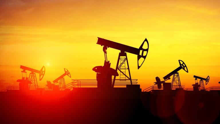 Пазарът на петрол се възстановява. Цените тръгнаха нагоре след осезаем спад