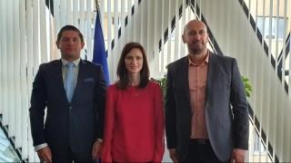 Мария Габриел прие ръководни фактори на европейското таекуондо
