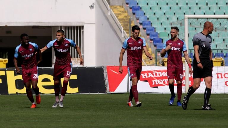 Левски взима трима футболисти от Септември?