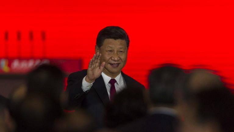 Президентът на Китай Си Дзинпин откри най-дългия морски мост в