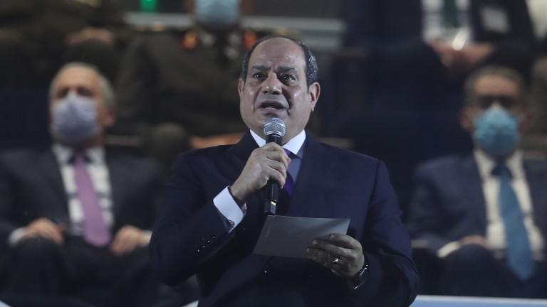 Египет обеща инвестиции за избягване повторение на инцидента в Суецкия канал