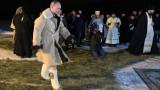 Путин скочи в леденостудена вода на Богоявление