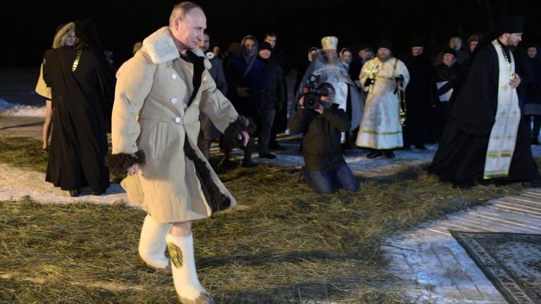 Руският лидер Владимир Путин се присъедини към милиони православни християни